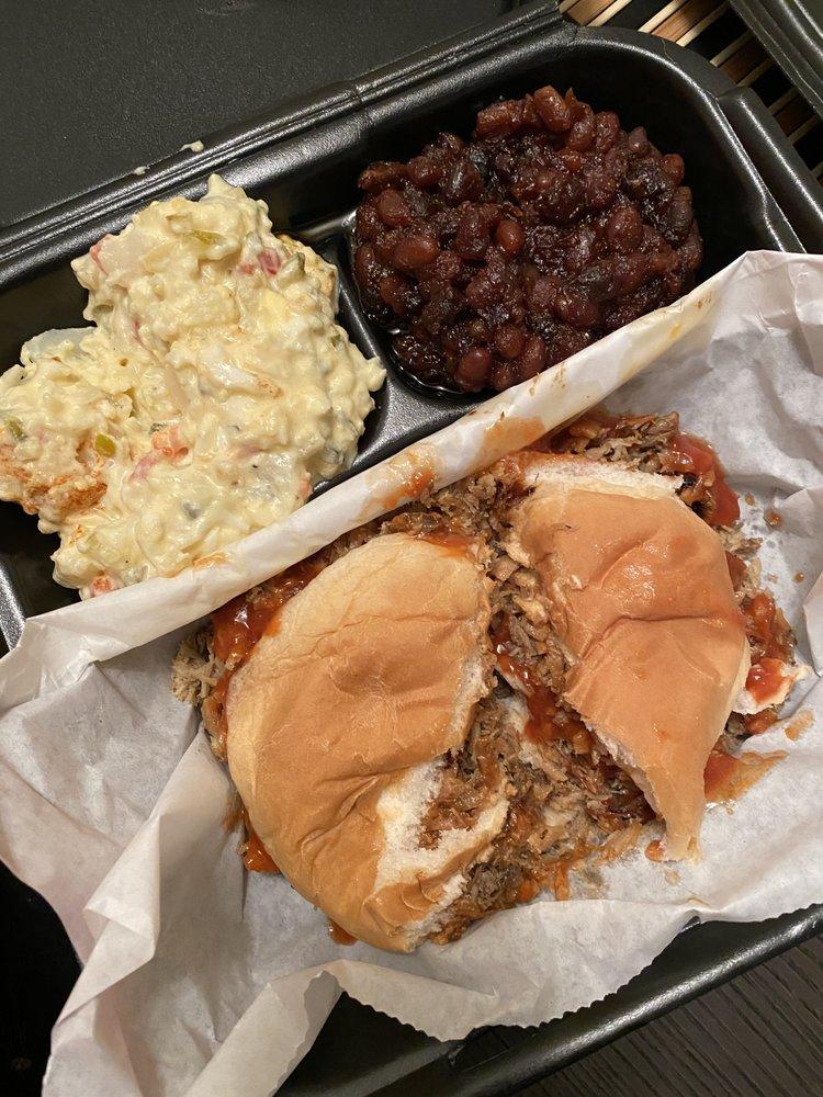 W & W Barbecue and Soul Food House: 105 Kieta Way, Radcliff, KY