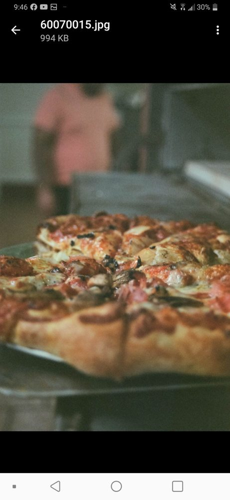 Contender's Pizzeria and Arcade: 251 Hickory Hills Shopping Ctr, Hillsville, VA