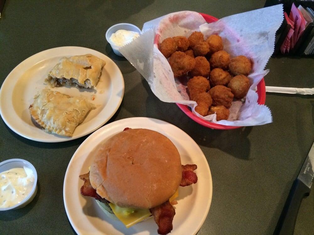 Embers Restaurant of La: 700 W Court St, Winnfield, LA