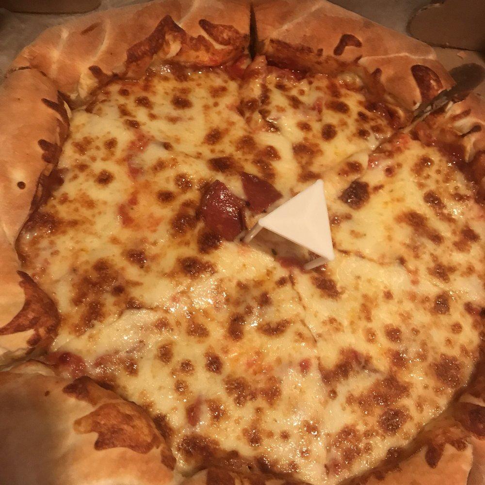 Stavros Pizza: 2 E Main St, Emmitsburg, MD