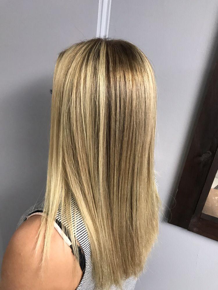 Cheveux: 3963 Oneida St, New Hartford, NY