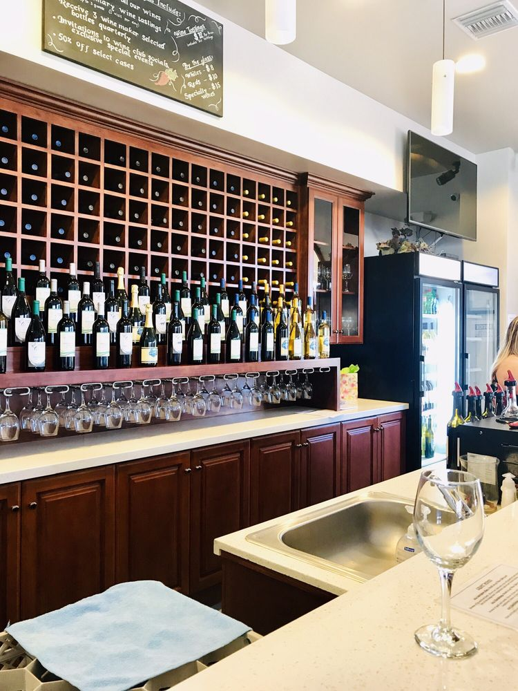 Emerald Creek Winery: 38642 Hwy 79, Warner Springs, CA
