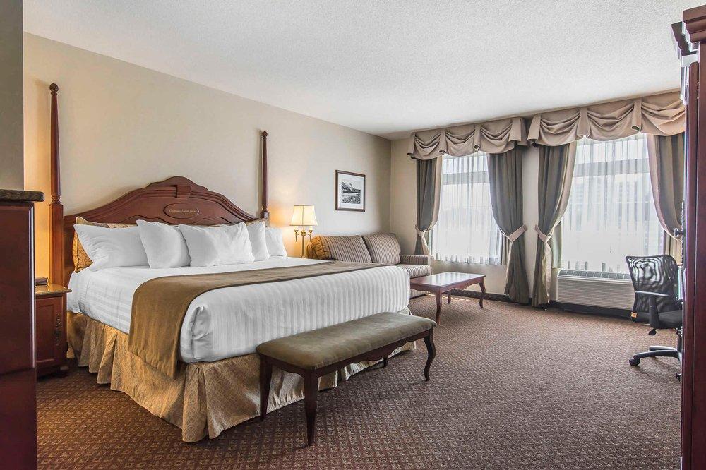 Château  Hotel & Suites