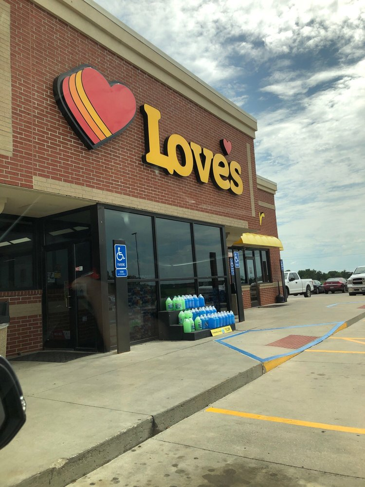 Love's Travel Stop: 1402 State Hwy O, Bevier, MO