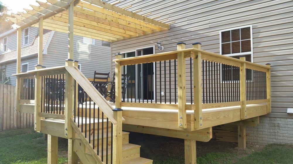Custom Wood Deck W Wood Railings Amp Round Black Aluminum