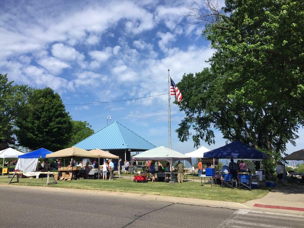 St Joseph Farmer's Market: 301 State St, St Joseph, MI