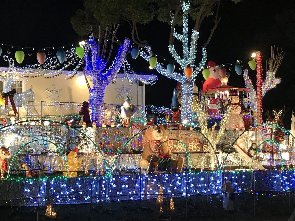 Christmas House: 817 Old Glen Cove Rd, Vallejo, CA