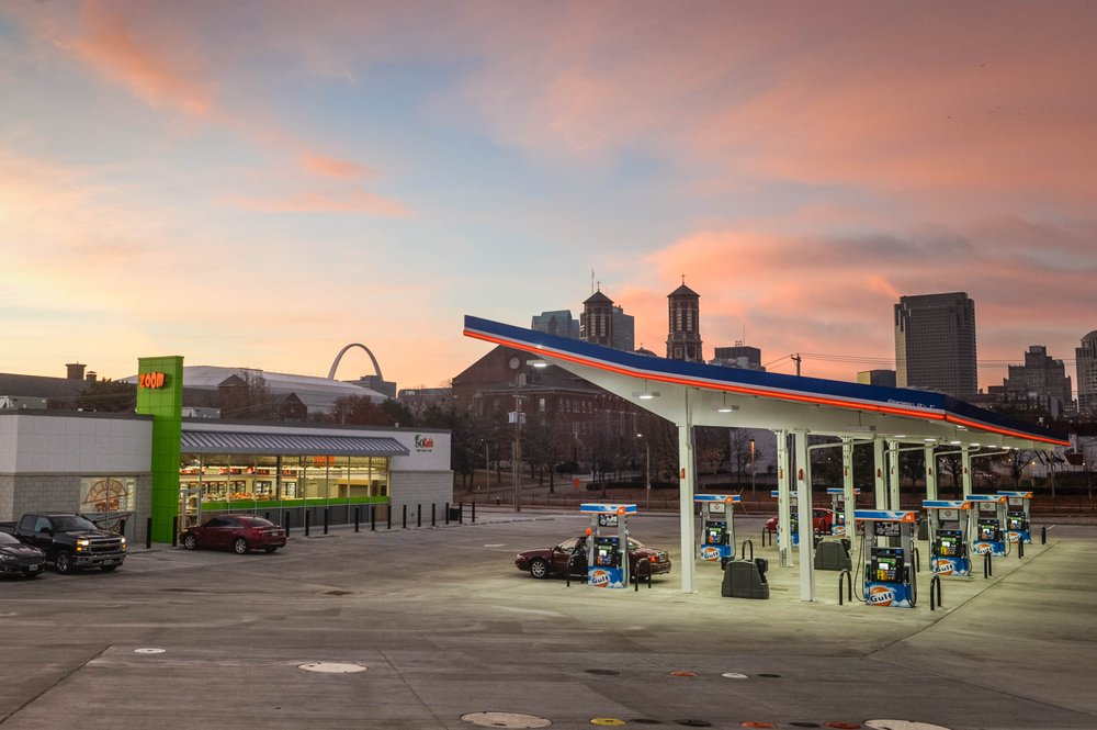 ZOOM Convenience Store and Gas Station: 1300 N Tucker Blvd, St. Louis, MO
