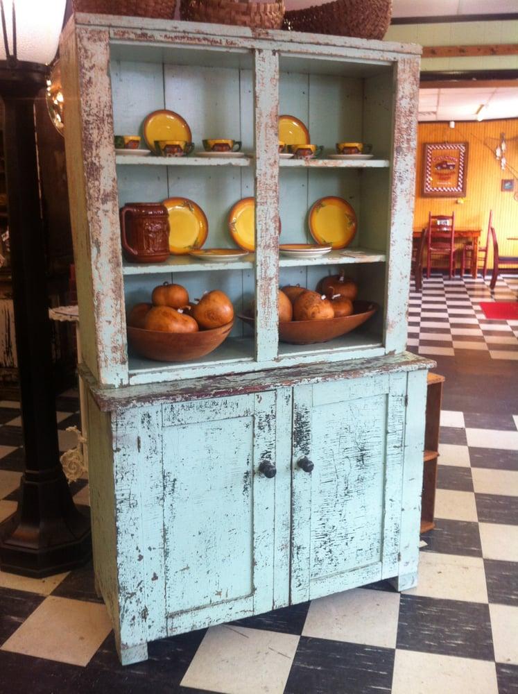 Jenifer's Antiques: 1003 Oak St, Conway, AR