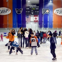 flyers zone ice skating