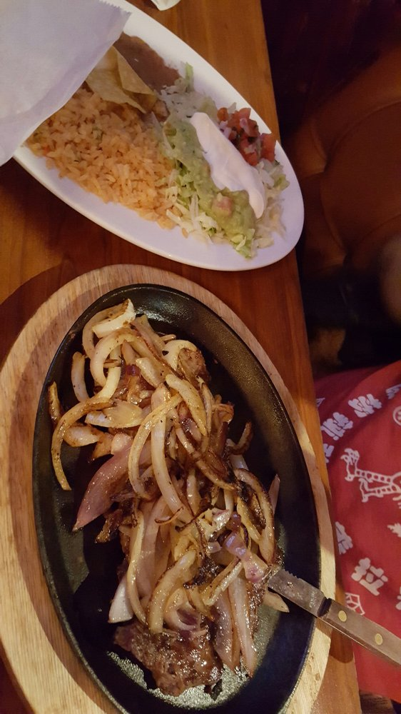 El Vallarta Mexican Restaurant & Cantina: 3101 E State St, Hermitage, PA