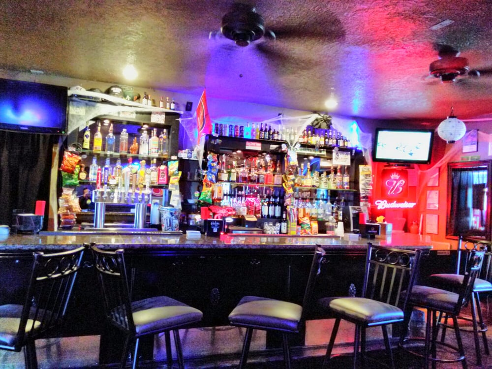 Cozy Corner Tavern: 5021 Lincoln Blvd, Livingston, CA