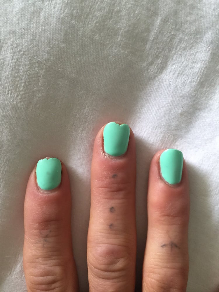 no chip manicure chipped after 1 day yelp. Black Bedroom Furniture Sets. Home Design Ideas