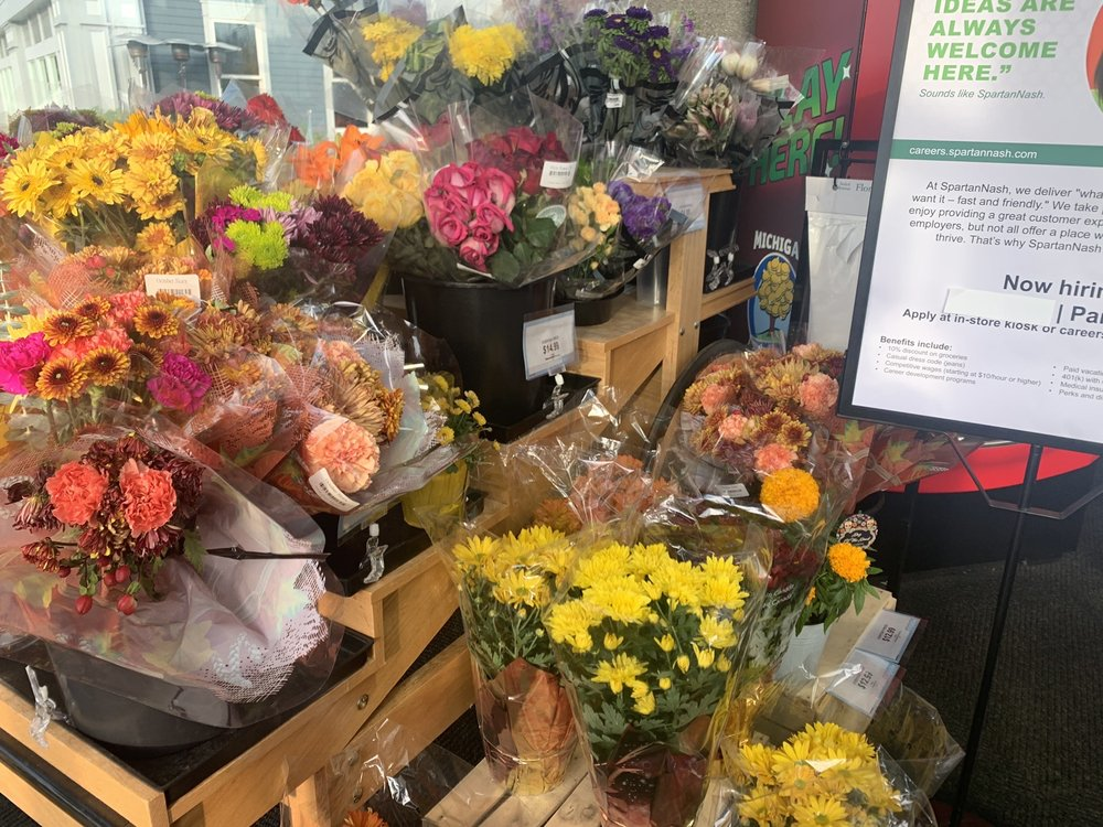 Ada Fresh Market By Forest Hills Foods: 444 Ada Dr SE, Ada, MI