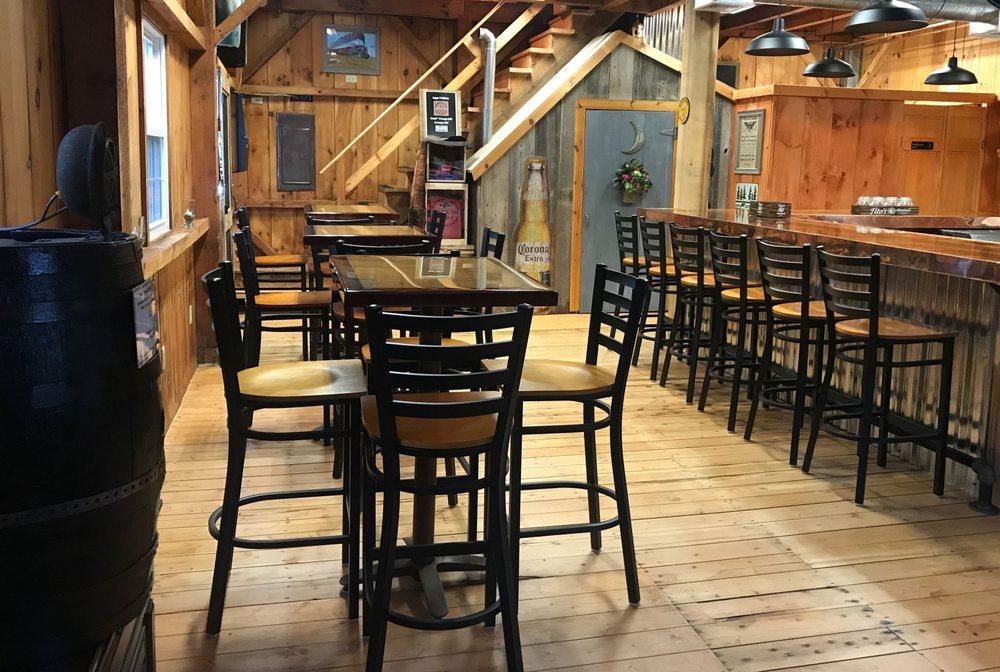 Tailgaters Pub Deep River: 439 Main St, Deep River, CT