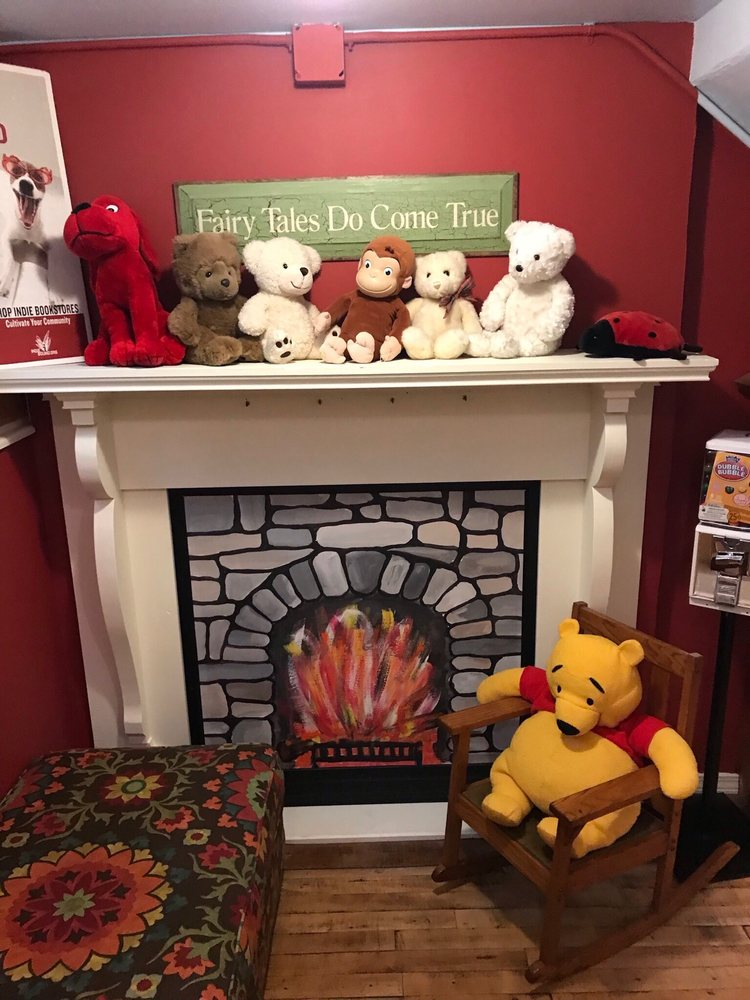 Village Lights Bookstore: 110 E Main St, Madison, IN