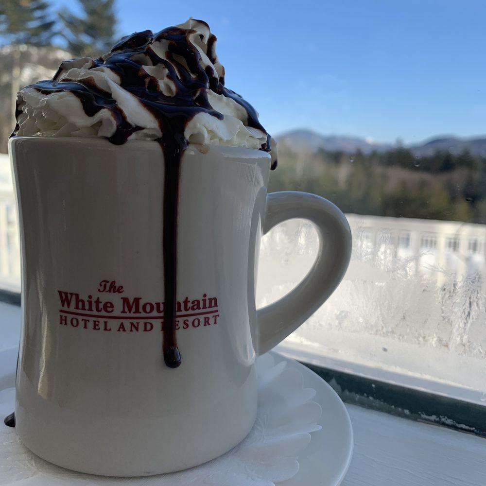 White Mountain Hotel & Resort: 87 Fairway Dr, North Conway, NH