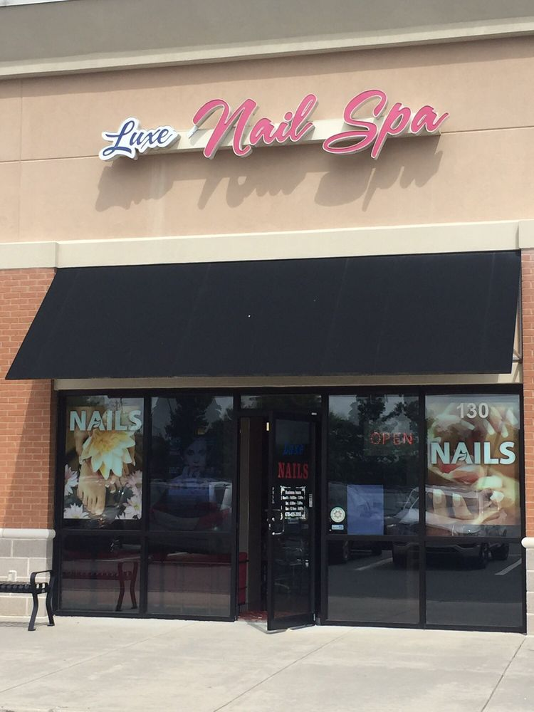 Luxe nails and spa nagelsalonger 2615 peachtree pkwy for Lux salon and spa