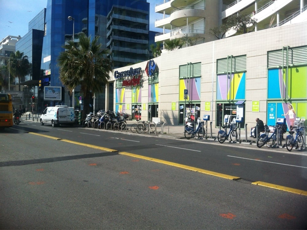 carrefour market department stores 258 av de la. Black Bedroom Furniture Sets. Home Design Ideas