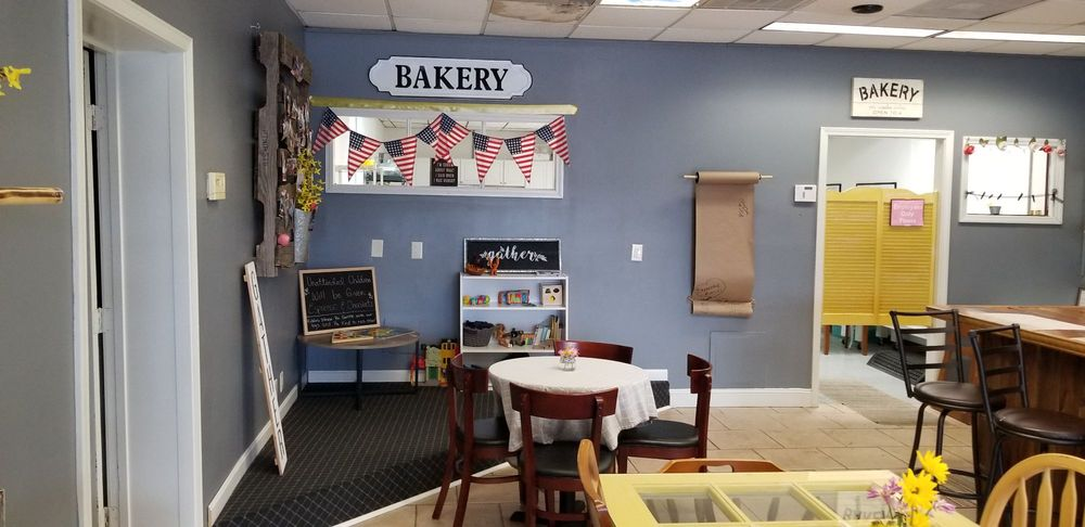 The Gathering Bakery: 728 Knox Blvd, Radcliff, KY