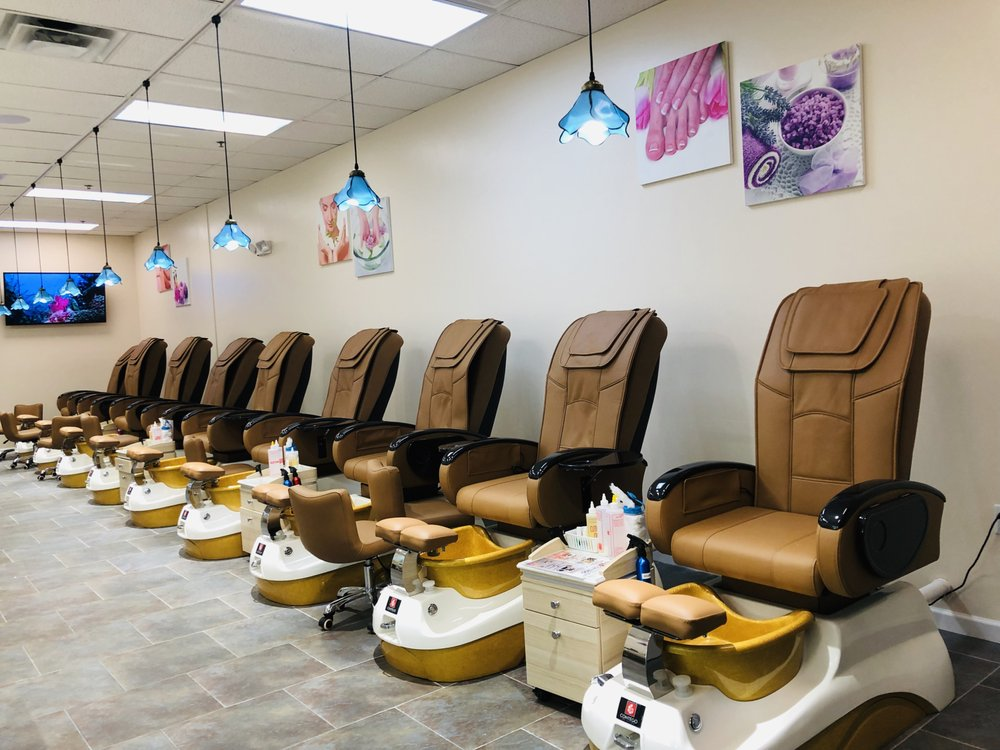 Luxury Nail Bar In Turkey Creek: 11075 Parkside Dr, Knoxville, TN