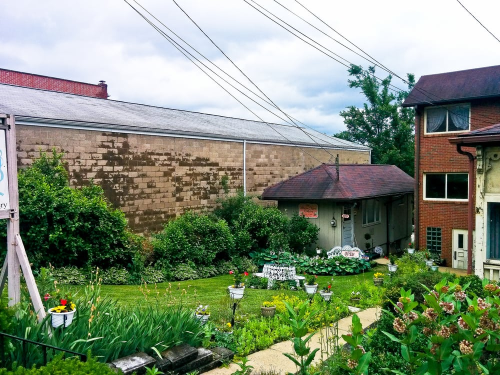Marlene Harris Collection: 238 1/2 Freeport Rd, Pittsburgh, PA