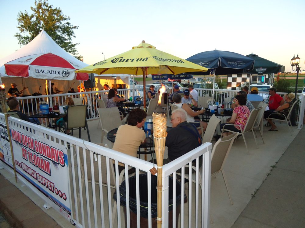 1481 Grille: 408 South Hwy 81, Arlington, SD