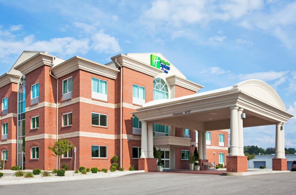 Holiday Inn Express & Suites Cincinnati SE Newport: 110 Landmark Dr, Bellevue, KY