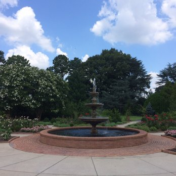 Superieur Photo Of Memphis Botanic Garden   Memphis, TN, United States. Fountain