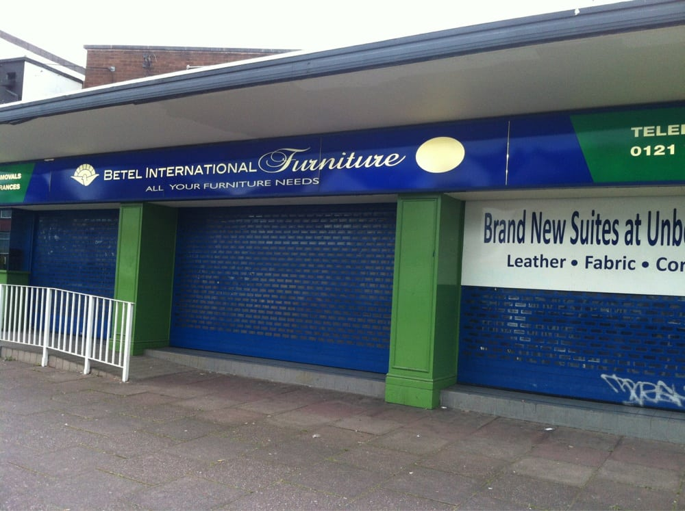 Betel international furniture lojas de mob lia yew for Mobilia international