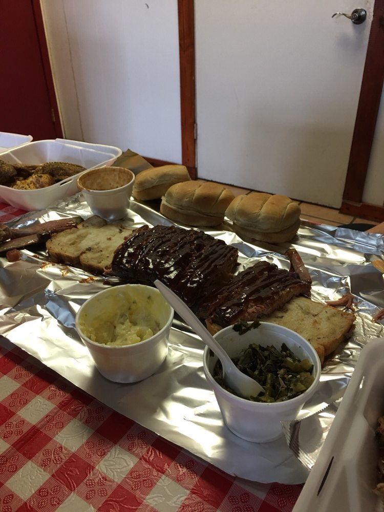 Sully's Smokehouse: 10820 County Rd 44, Leesburg, FL