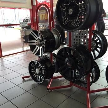 Discount Tire 15 Photos 32 Reviews Tires 3101 E Central