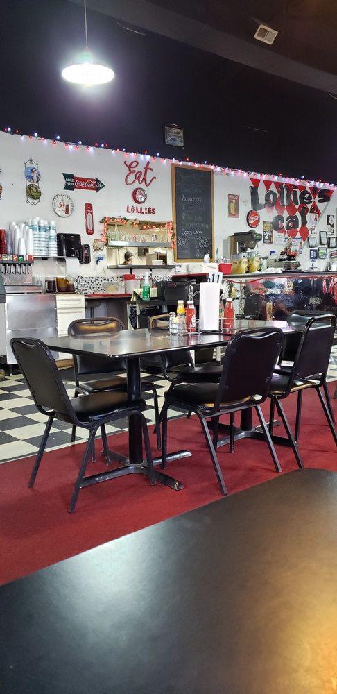 Lollie's Cafe: 201 Minton Dr, Percy, IL