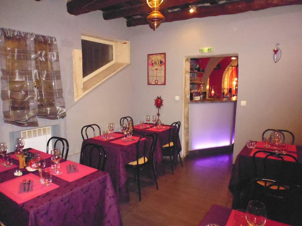 Le menestrel fran ais 3 rue des greffes nimes for Restaurant le miroir rue des martyrs