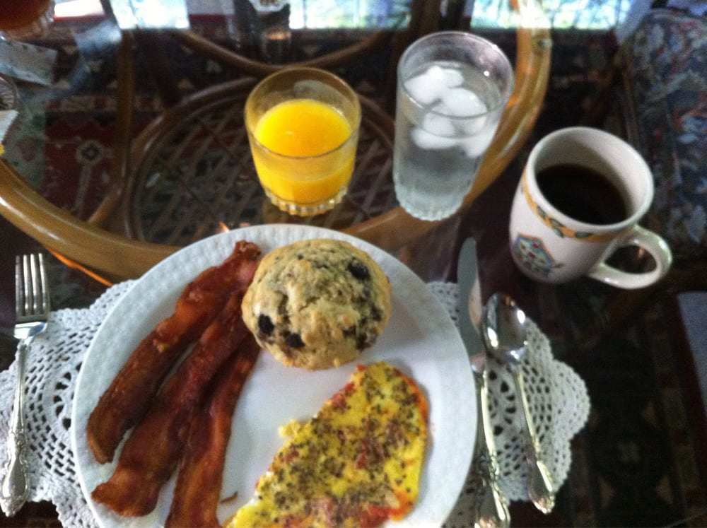 Chestnut Charm Bed & Breakfast: 1409 Chestnut St, Atlantic, IA