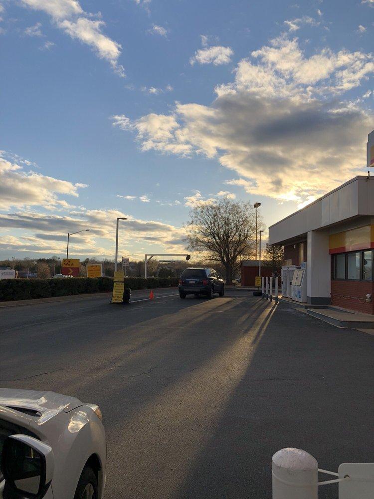 McLearen Shell: 3043 Centreville Rd, Herndon, VA