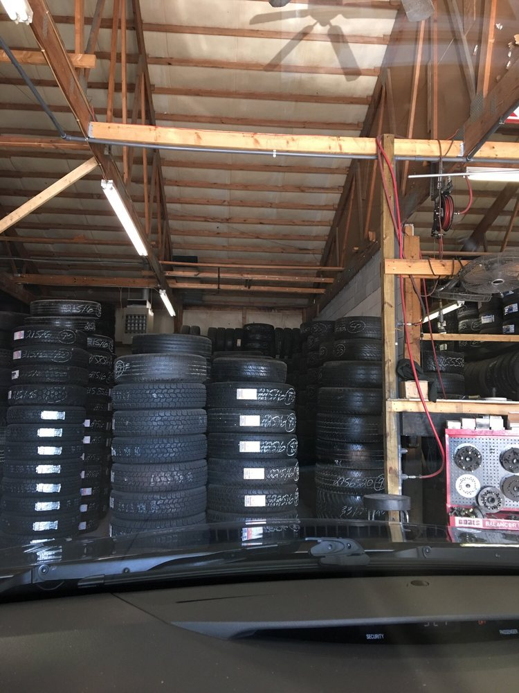 Lee Tire: 3005 Park Central Ave, Nicholasville, KY