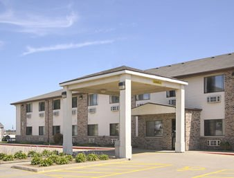 Photo of Super 8 by Wyndham McLean/Bloomington SW: McLean, IL