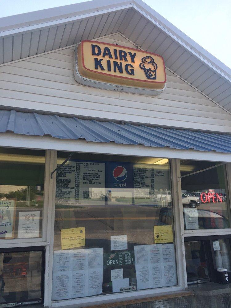 Dairy King: 400 N Front St, Montezuma, IA