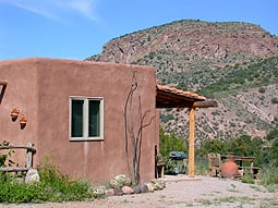 Casitas De Gila Guesthouses & Art Gallery: 50 Casita Flats Rd, Gila, NM
