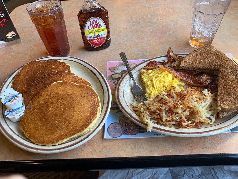 Valley Dairy Restaurant: 920 Route 22 Hwy W, Blairsville, PA