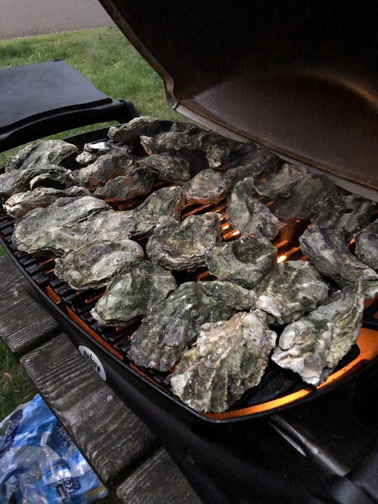 Oregon Oyster Farm: 6878 Yaquina Bay Rd, Newport, OR