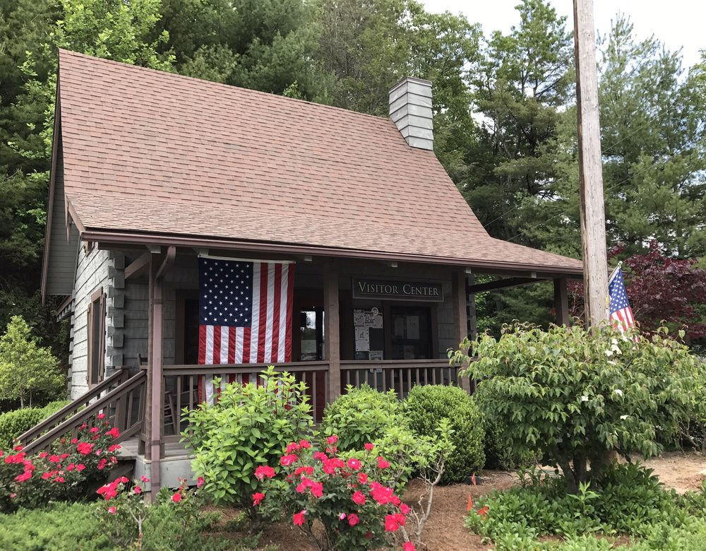 Cashiers Travel & Tourism: 202 US Highway 64 W, Cashiers, NC