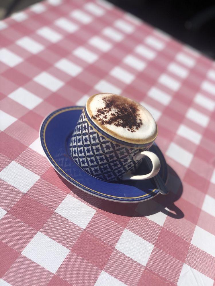 Chocolatine French Café