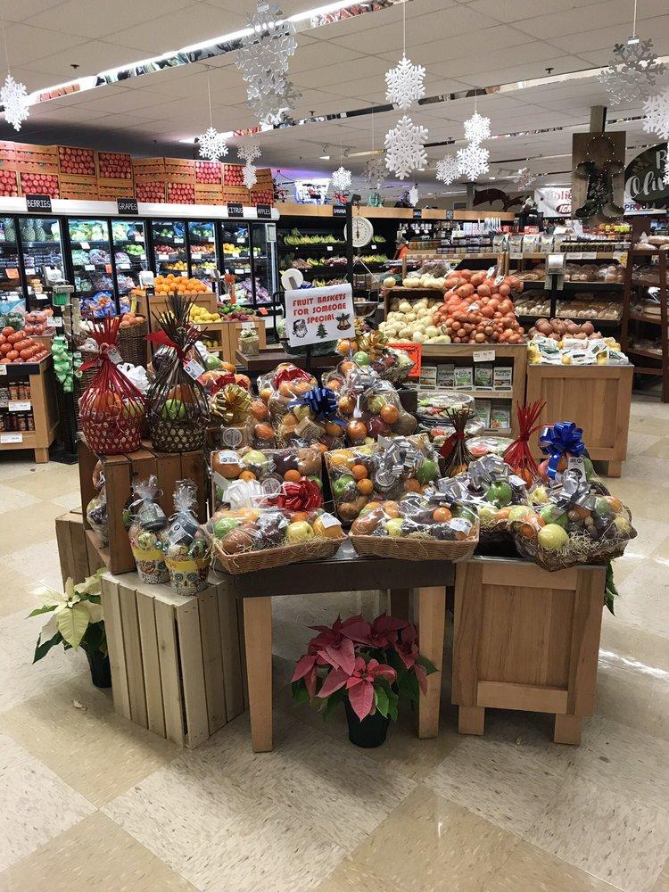 Kishman's Fresh Market IGA: 202 E High St, Minerva, OH