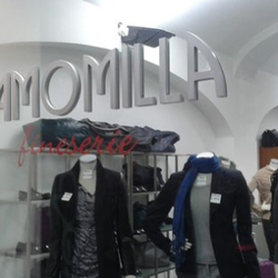 reputable site e80f3 92de7 Camomilla Outlet - Abbigliamento femminile - Via Benedetto ...