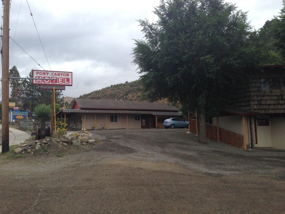 Pony Canyon Motel: 30 Main St, Austin, NV