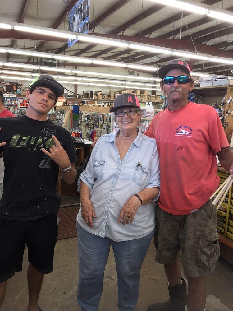 Kemah Hardware & Supply: 1027 Hwy 146, Kemah, TX