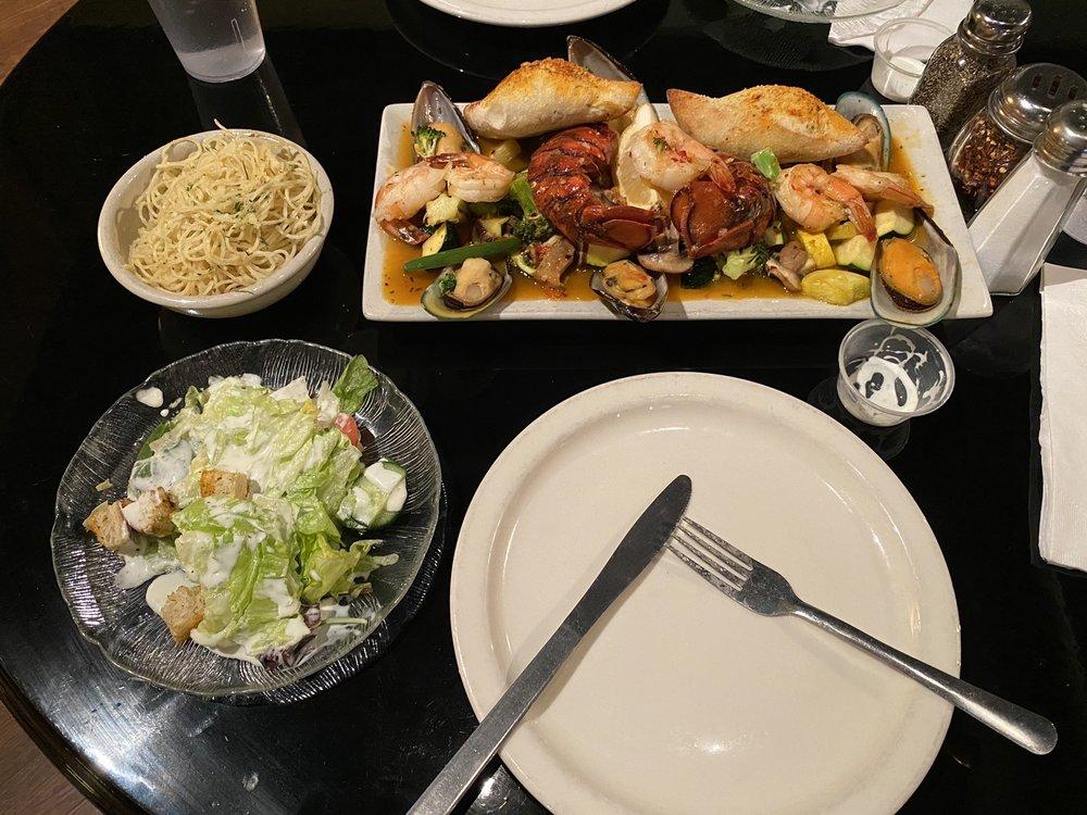 Mr Gino's Italian Restaurant & Bar: 484 Aultman St, Ely, NV