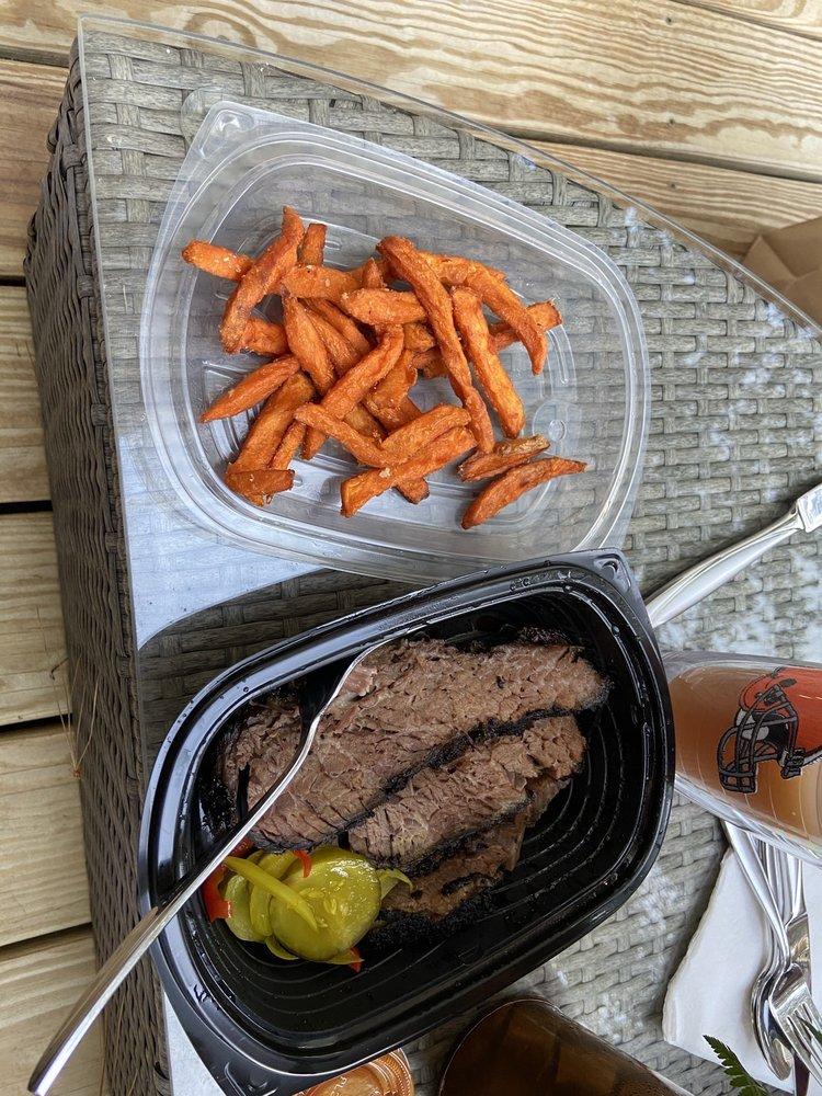 Good Eats Burgers & Wings: 45990 Waterview Plz, Sterling, VA